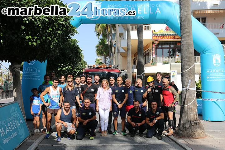 Medio centenar de participantes en la carrera vertical bomberos de marbella m s deportes - Puya marbella ...