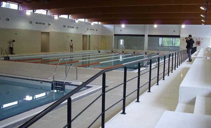 Contin an los destrozos en la piscina de miraflores en for Piscina 24 horas madrid