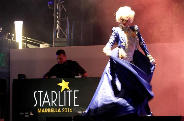 legítimo casual baile en Marbella