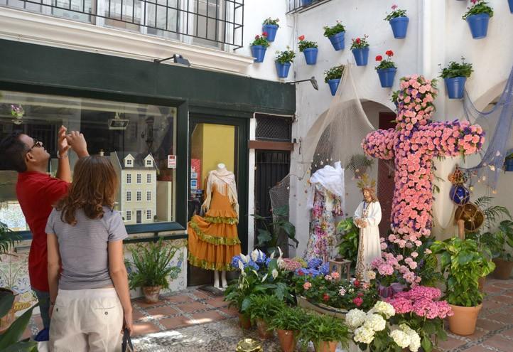 Marbella convoca por las cruces de mayo un concurso de - Decoracion marbella ...
