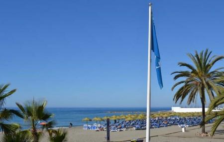 Las siete playas de Marbella lucen ya sus banderas azules para 2013