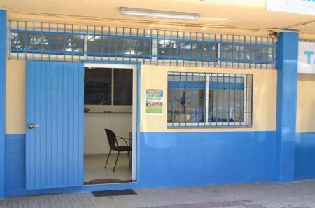 Desconocidos destrozan la cerradura de la oficinas del for Oficina turismo marbella