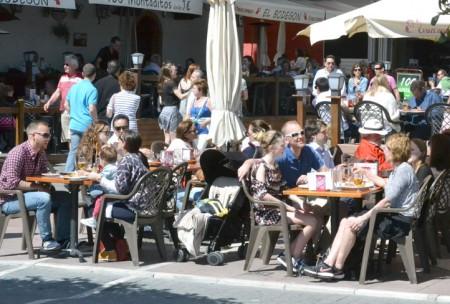 histrica bajada del paro en marbella por el tirn de la semana santa
